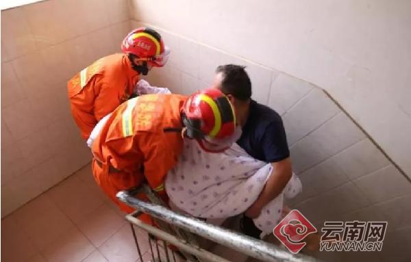 云南澄江公安消防成功处置3起危急事件救出4人大兵小将粤语