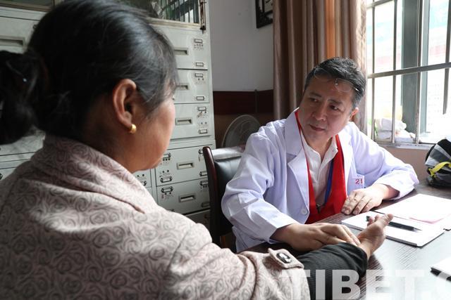 十年情牵汶川 北京朝阳医院群众家门口送健康帅同文学转载