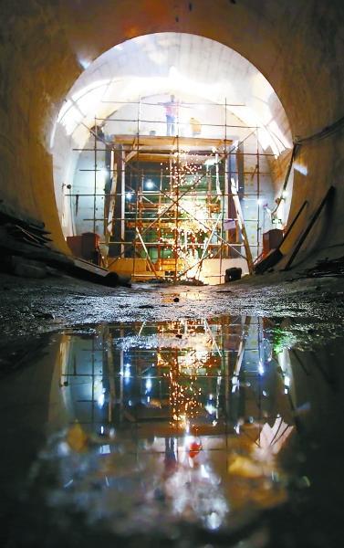 北京地铁珠市口站至前门站隧道施工:最艰难的掘进郑相君