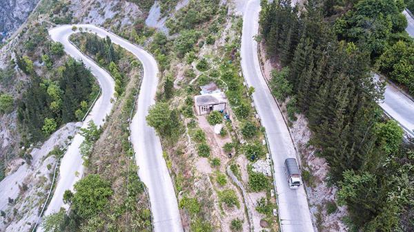 汶川十年,震中物流之路:当年的初三少年回家创业,每年送10万快启迪buff