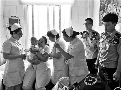 半岁男婴患多种疾病被遗弃 随身纸条交代如何服药