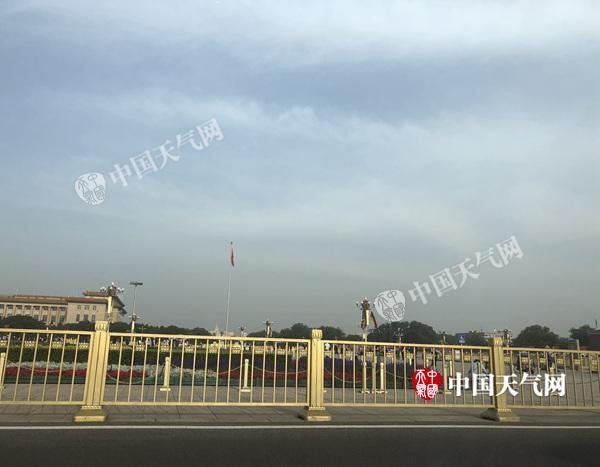 北京晴热暴晒继续 周末或有雷阵雨热力不减