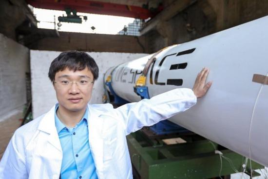 玩急速赛车有挣钱的吗:中国首枚民营自研火箭费用低于市场_或考虑登月载人