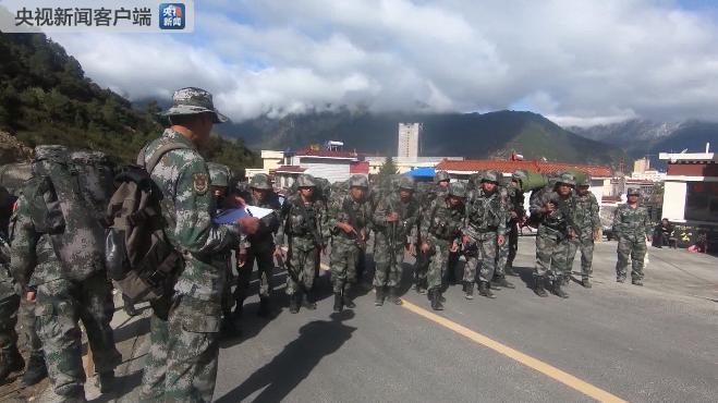 西藏军区某合成旅高海拔极限训练 锤炼侦察兵作战能力