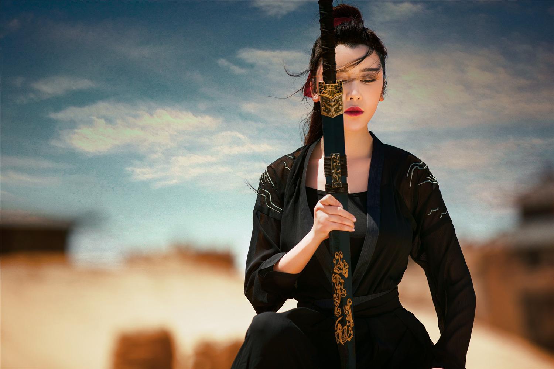 侠女疆场花木兰|侍宣如侠女写真照曝光 影视剧中多次饰演女侠角色