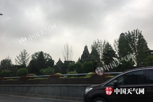 北京本周雨水高温交替出现 今明有雷雨炎热暂消