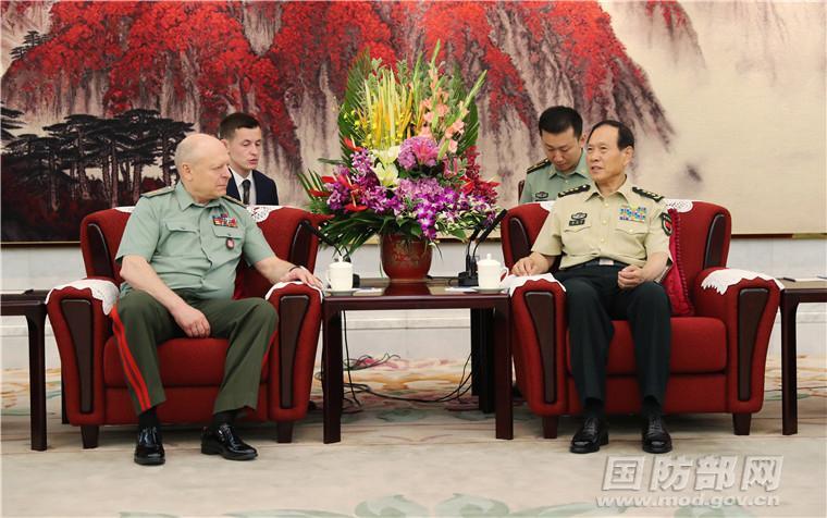 魏凤和会见俄罗斯陆军总司令
