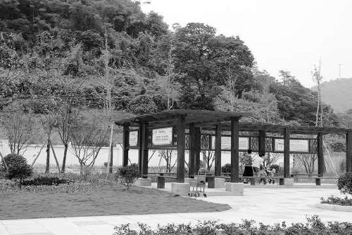 8家污染企业建了一个公园