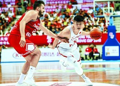 中国男篮红队赢了