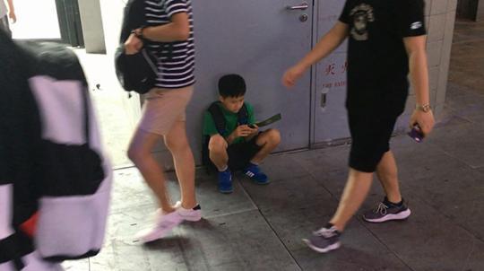 昔日游戏少年为父后:有人忧孩子沉迷 有人主动陪玩