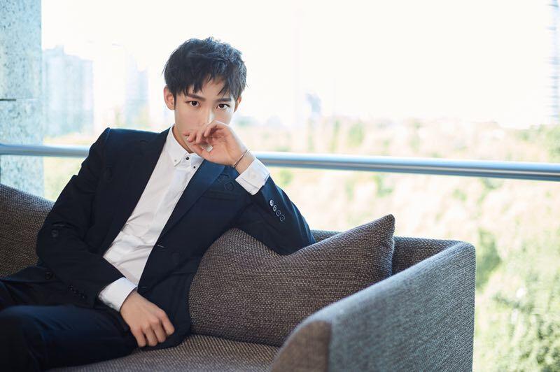 安浩唏受邀出席北京时装周 分享时尚新态