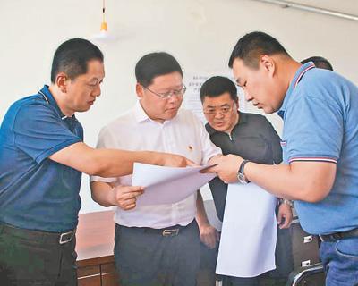 黑龙江青冈县委书记杨勇获得干部群众交口称赞青田县人事局