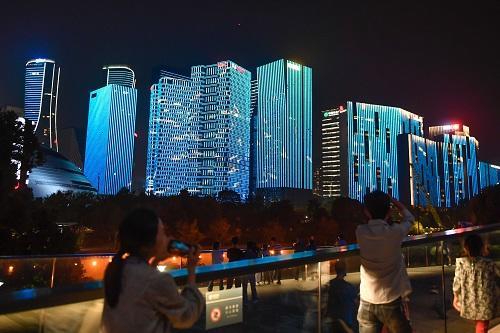 俄媒体惊叹中国城市30年巨变
