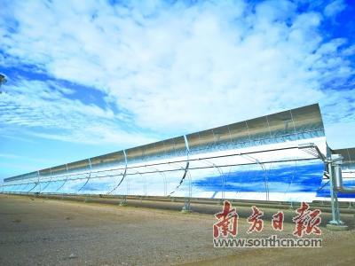 中国首个大型太阳能光热示范电站投运