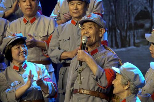 《金色时光》开播在即 老年合唱团重现经典曲目