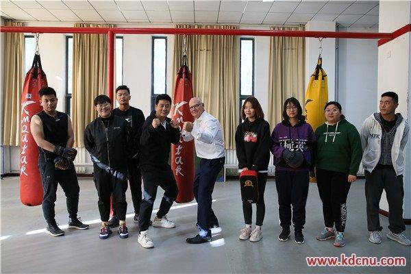 国际导师化身灌篮高手,科德学院变身湘北高校
