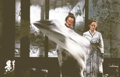 """《影》: """"水墨意蕴""""与""""东方美学""""的视觉趣味"""