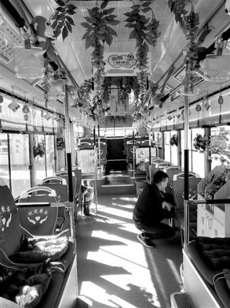 """长春公交装""""暖心坐垫"""" 有车队刚装上一小时就丢6个"""