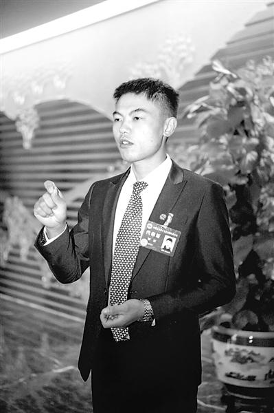 """""""小泥工""""邹彬:工会维权服务给农民工更多获得感"""