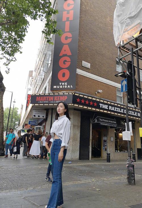 娄艺潇节目体验英式文化 将探访音乐剧院