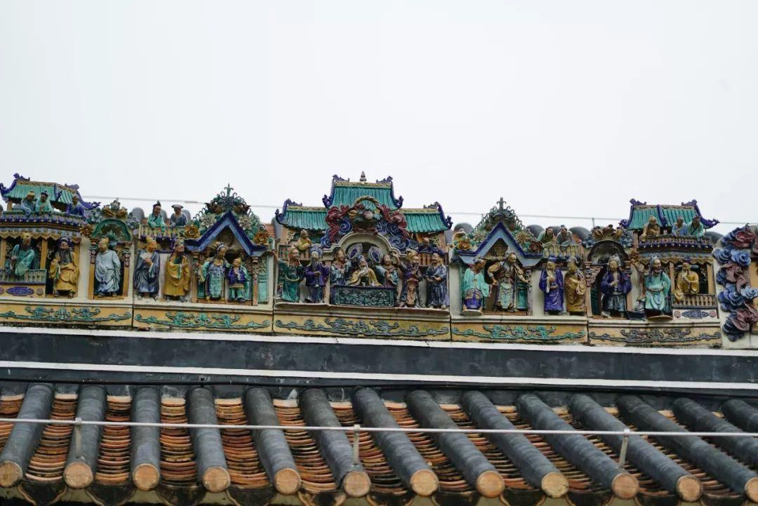 △粤剧艺术博物馆建筑上的剧目浮雕 (央视记者沈忱拍摄)