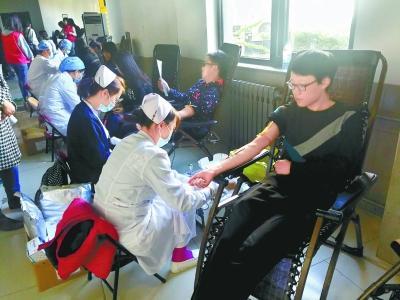 單場超千人次參與無償獻血