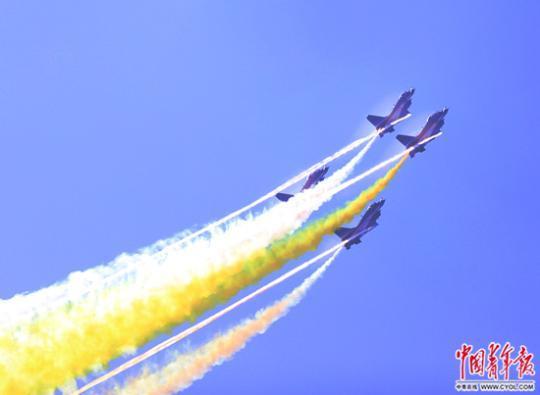 """中国空军的""""航展时间"""" 空新装备呈现井喷之势女兵堁体体检妇科"""
