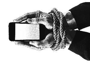 不拿利来彩票(综合文娱)手机,为何就没有安定感?