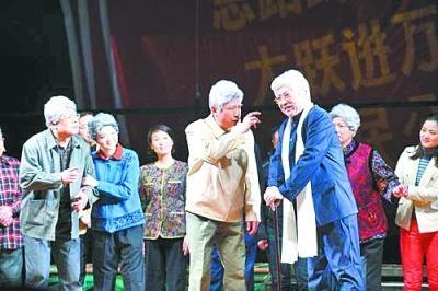 武汉说唱团复排经典剧目《海底捞月》李莉娜为谁留过灯
