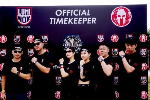 雷美诺时携手中国星级团队冲刺香港斯巴达障碍赛!