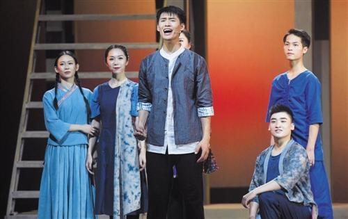 广西再添原创音乐剧 《木棉红了》首演反响热烈