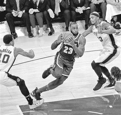 NBA: 湖人四连胜深圳大学灵异事件