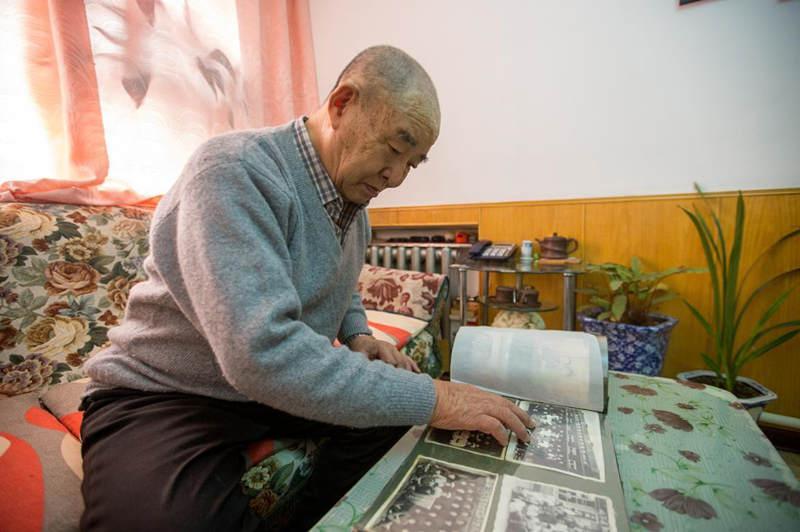 张述明驾驶的蒸汽机车时速40公里,从哈尔滨到长春要7个幼时。