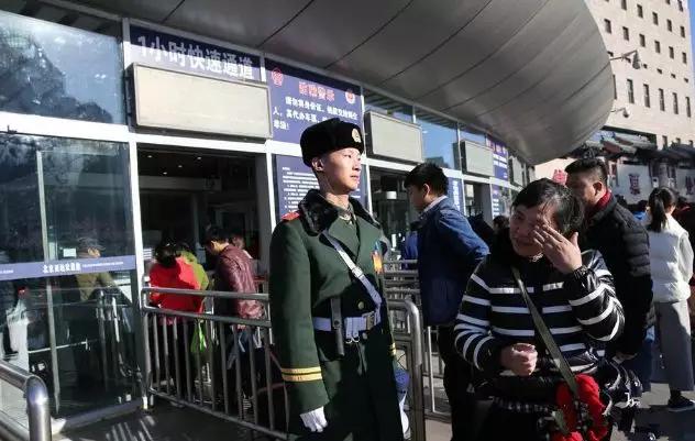 中国军人为何自带安全感?弓虽强