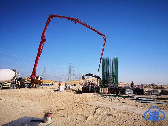 沙特朱拜尔TS-8高速公路S1桥施工现场