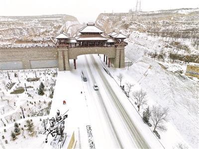 贫困县斥6200万巨资修建城门只为优化招商环境?