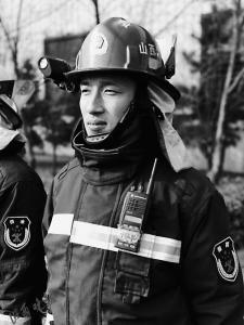 除夕,28岁消防指挥员倒在灭火现场
