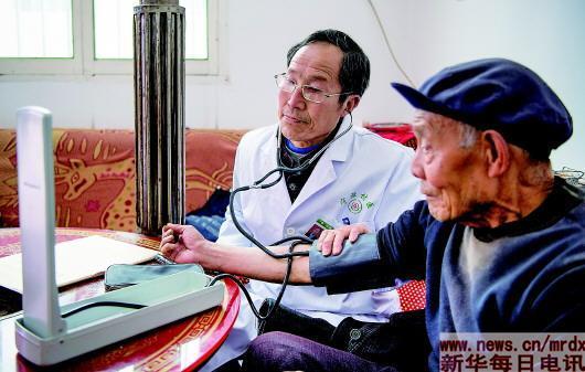 陕西宁强医改探索记:患者愿意来 医生不愿走