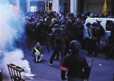 """法国""""黄背心""""运动现""""反犹""""声音"""