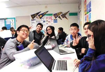 87名中小学生走进国外名校探访机器人教育