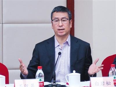全国政协委员白岩松:公立医院应开设线下咨询门诊