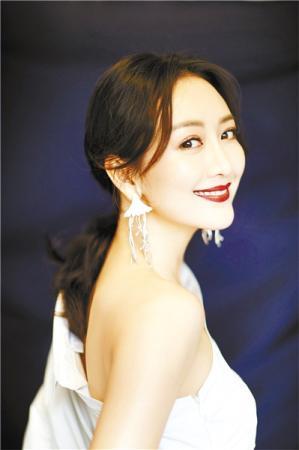 """南方女孩王鷗講述""""花爺""""養成記"""