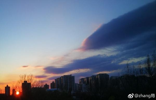 今天冷空气继续影响北京今晨现壮美朝霞阵风将达7级