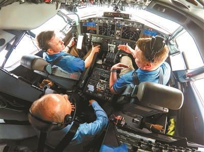 737MAX软件升级验证飞行波音CEO亲上阵