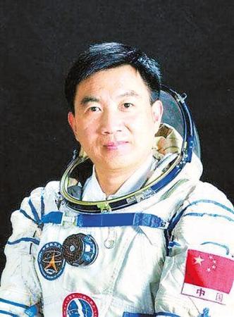神舟六号计划搭乌台诗案的受害人是载两名航天员升空