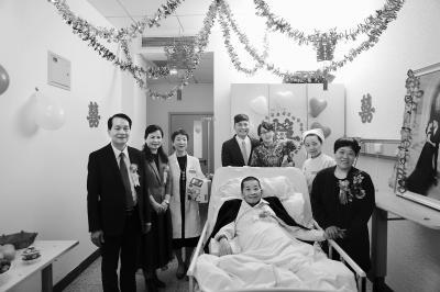 泪目!婚礼现场搬到安宁病房