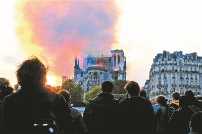 巴黎圣母院修复至少需要8到10年