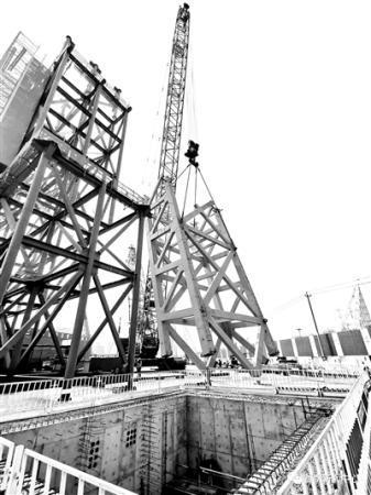 2022年冬奥会重点工程 首钢滑雪大跳台支撑柱出地面