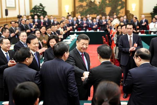 2018年3月10日,习远仄参与十三届天下人年夜一次集会重庆代表团的审议。