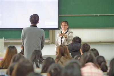 杨宗丽:思政课不只是讲历史,而是心与心的交流